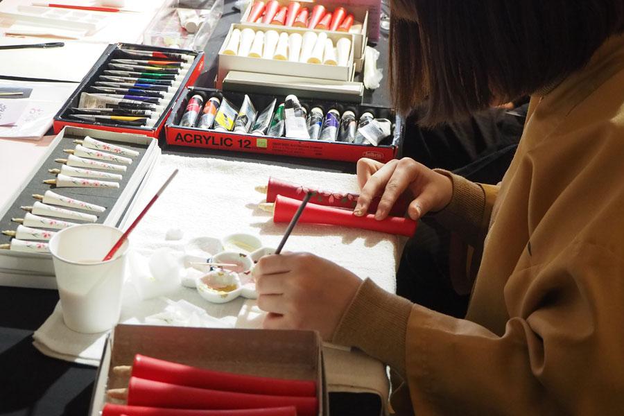 「中村ローソク」和蝋燭の絵付け体験