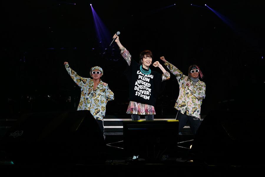 『LIVE SDD 2018』に登場した荻野目洋子(17日、大阪城ホール)
