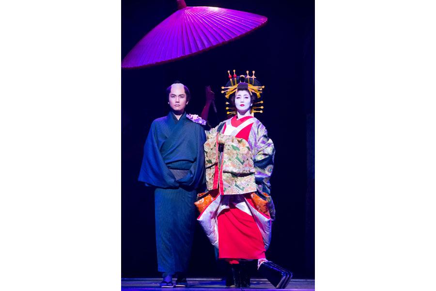 壮が花魁役を演じたミュージカル『戯伝写楽2018』より 写真/桜井隆幸