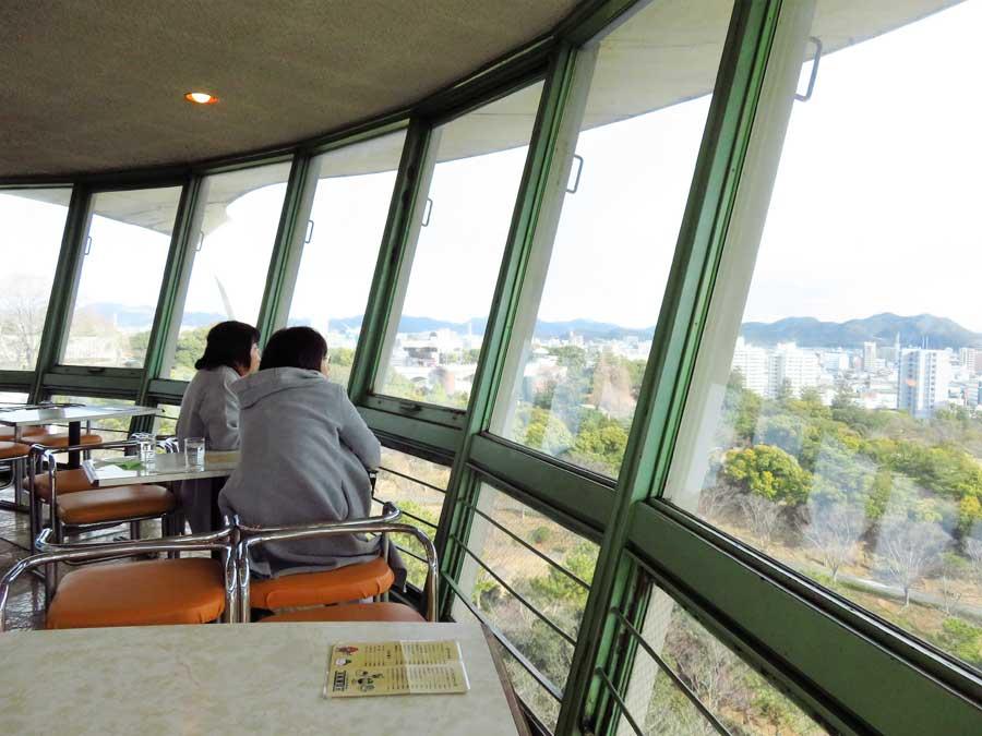 「姫路城」や山、海も見渡せる。姫路の景色を、ゆったりと堪能できる癒やしのスポット