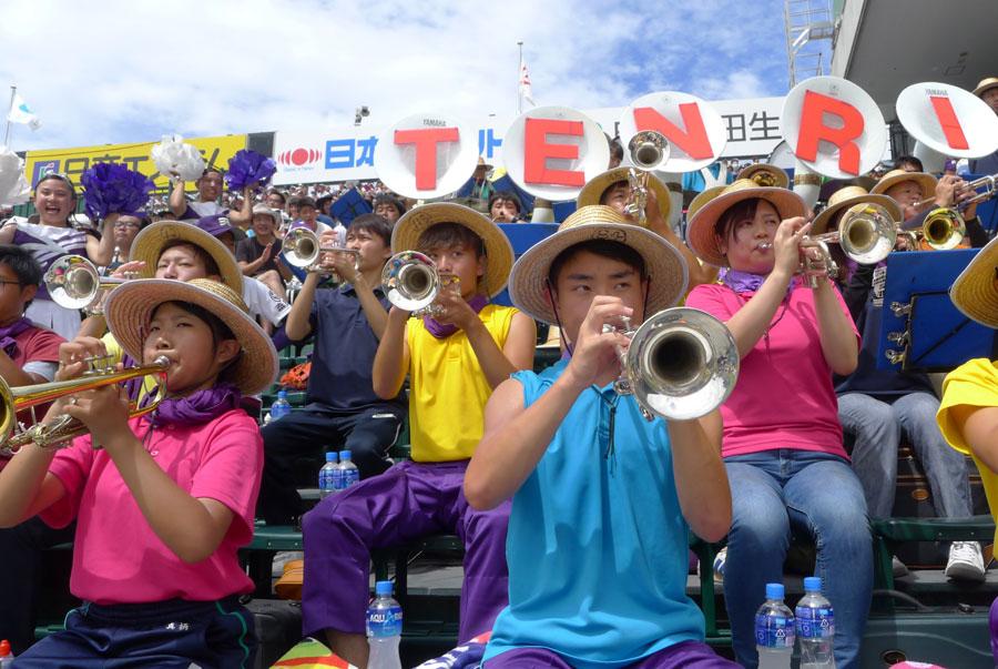 誰もが聴いた事がある「ファンファーレ」「ワッショイ」を擁する国内屈指の吹奏楽名門校の「天理高等学校吹奏楽部」