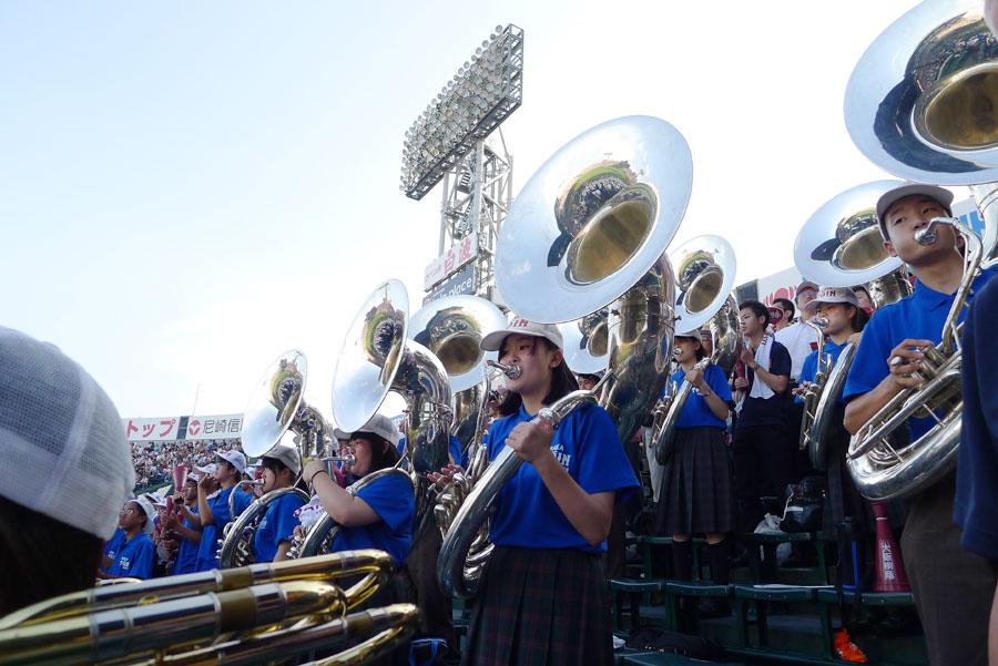 最新のヒット曲や話題の曲を次々に取り入れ、美しくかつ圧巻の演奏で魅せる「大阪桐蔭高校吹奏楽部」