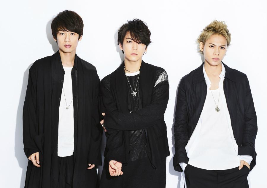 KAT-TUN(左から、中丸雄一、亀梨和也、上田竜也)