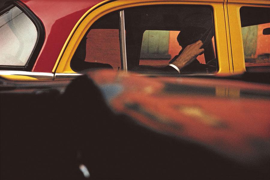 《タクシー》1957年 ソール・ライター財団蔵 ©Saul Leiter Foundation