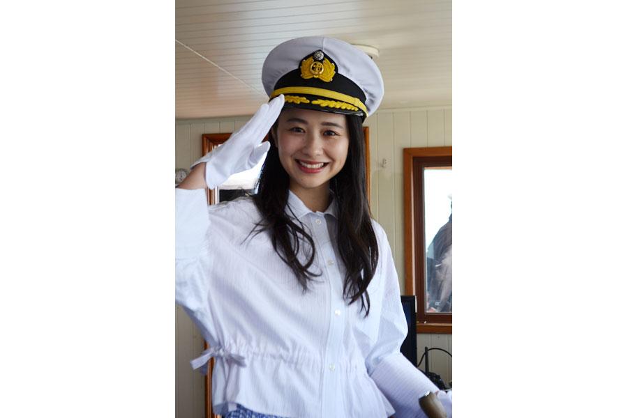 観光遊覧船ミシガンの1日船長に就任した堀田