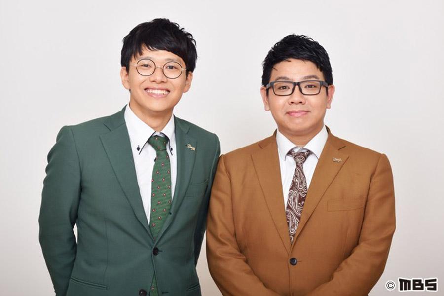 毎日放送『せやねん!』の新レギュラーに決まった兄弟コンビ・ミキ(右が兄の昴生、左が弟の亜生)