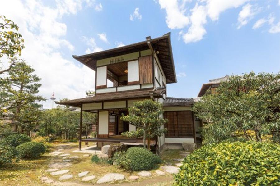 通常は非公開の「蘆庵」は、4月9日まで特別公開中。2階から眺める景色は格別