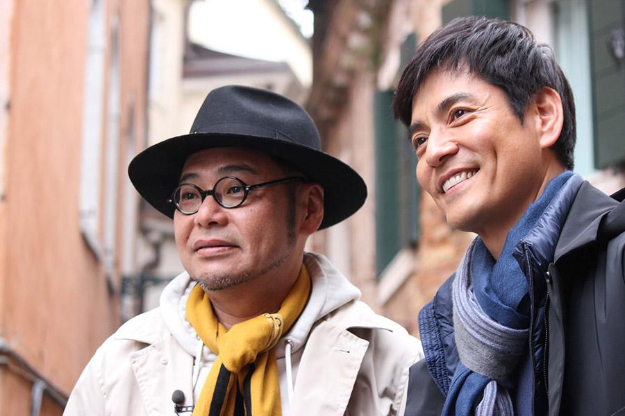 田口浩正(左)と沢村一樹