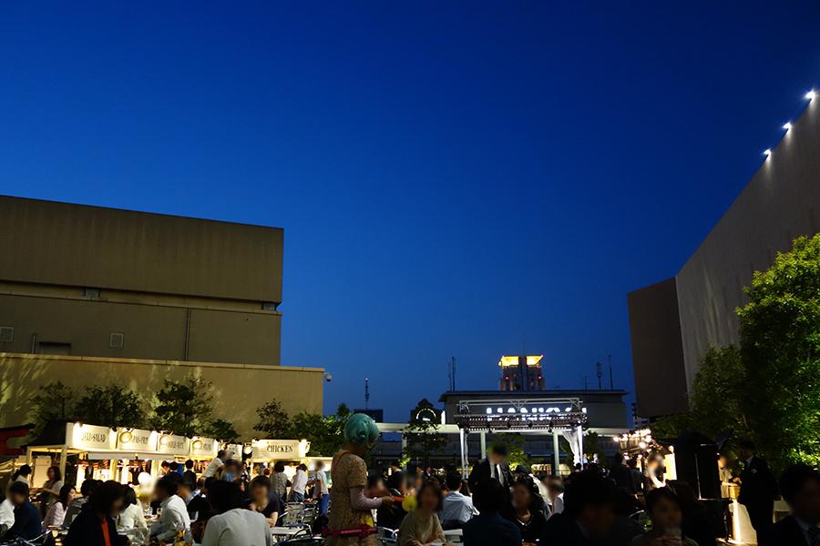 「阪急うめだ本店」の屋上で開催するビアガーデン