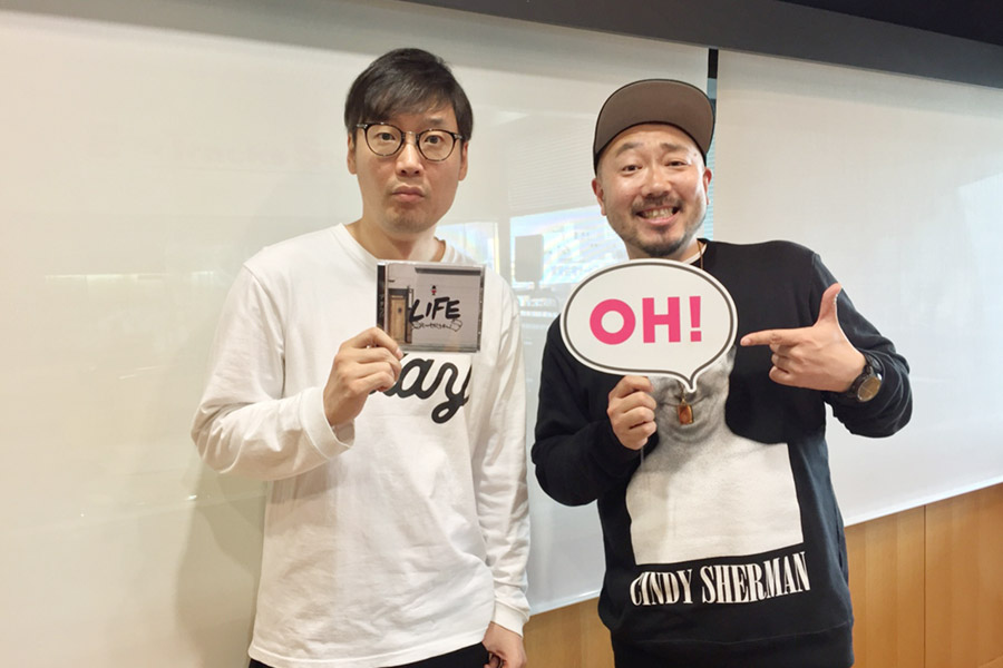 右がET−KINGのコシバKEN、左がDJの遠藤淳(25日・大阪市内)