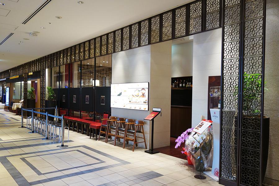 大阪高島屋の8階にオープン、ランチ時は行列ができるほど人気