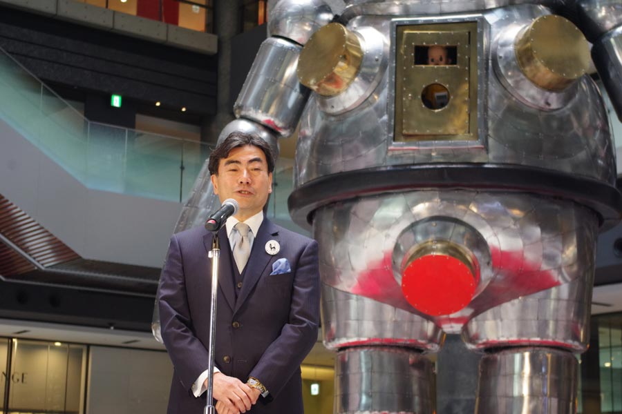 5周年を記念したイベントのセレモニーに登壇したTMO事務局の松山局長(26日・グランフロント大阪)