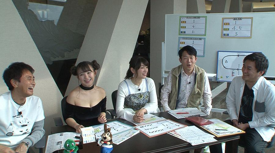 ボート歴15年、テレビが絡むと当たるという平成ノブシコブシ・徳井(右)が指南役に © ytv