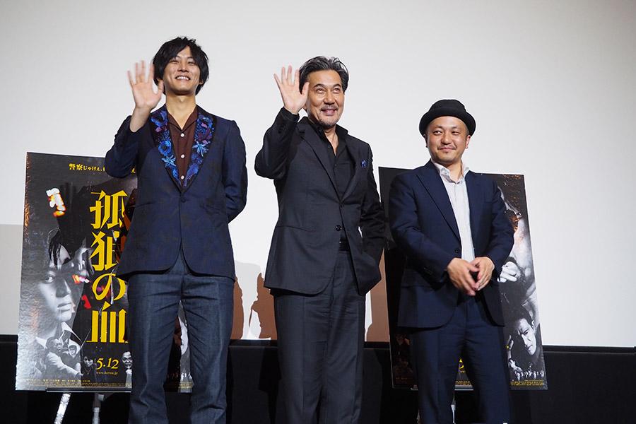 左から、松坂桃李、役所広司、白石和彌監督(2  018年4月26日・大阪市内)