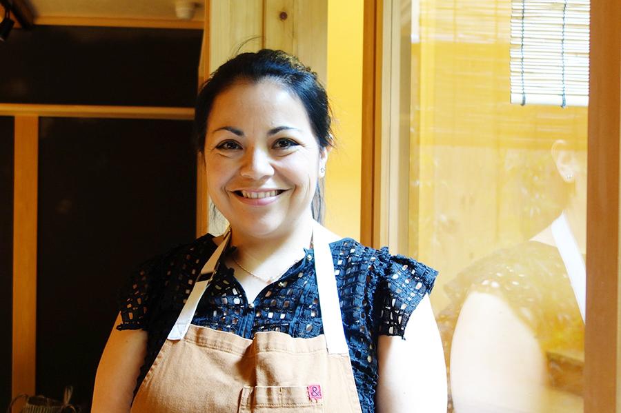 世界中の店舗のなかで「一番京都店がすてき」と話すペストリーシェフのリサ・ヴェガさん