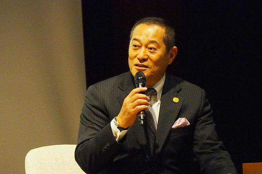 トークイベントに登壇した松平健(13日、京都市東山区)
