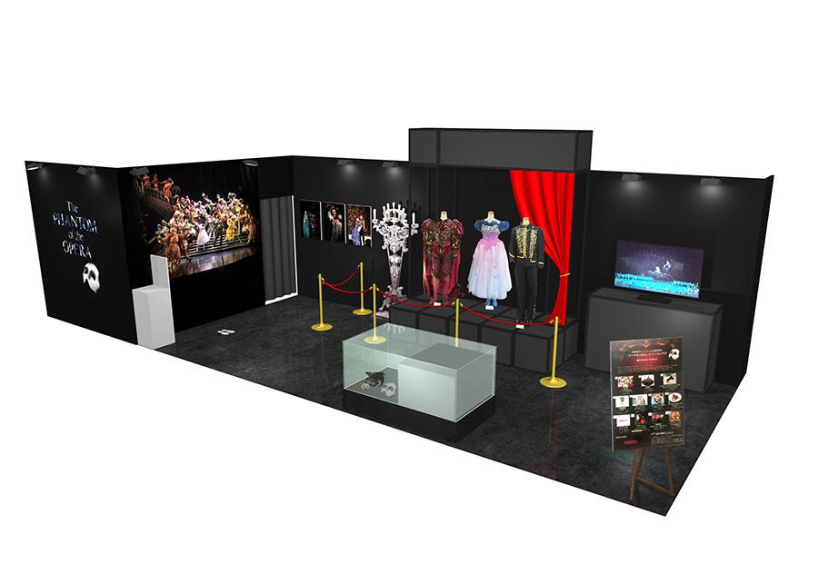 2階の特設会場では、主要な登場人物3人の衣裳などを展示