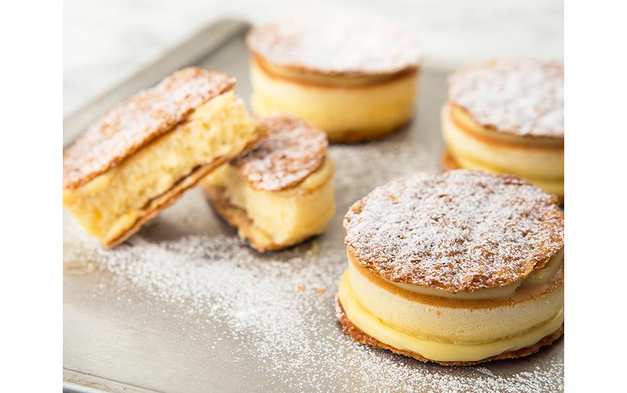 プレーンのパンケーキパイ。イートインできるパンケーキとは異なるモチッと食感が楽しめる