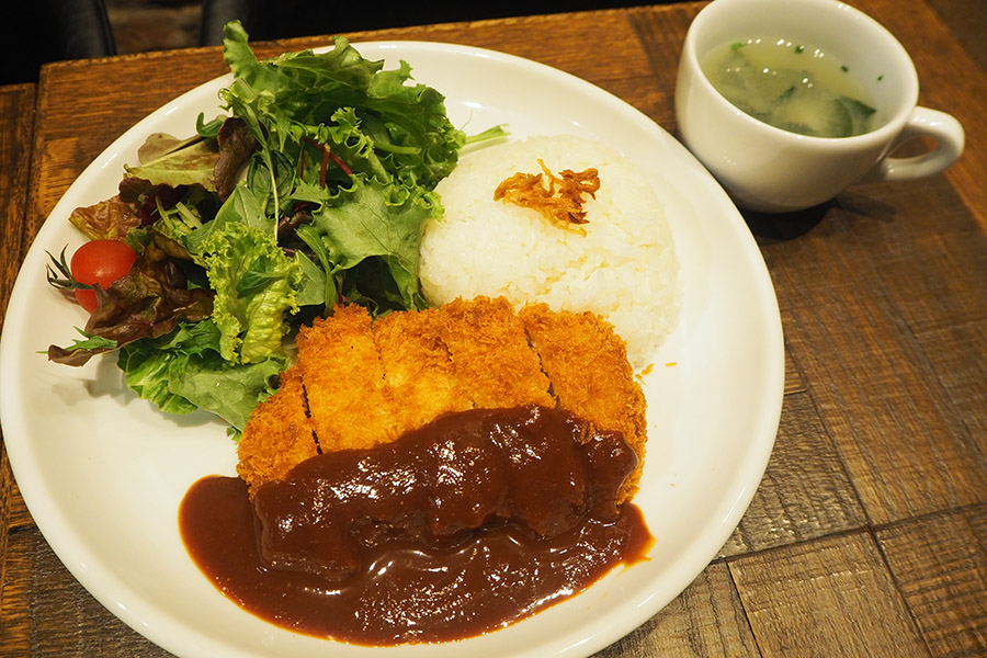 「大郷家の食卓~味噌カツと味噌汁~」(1500円)