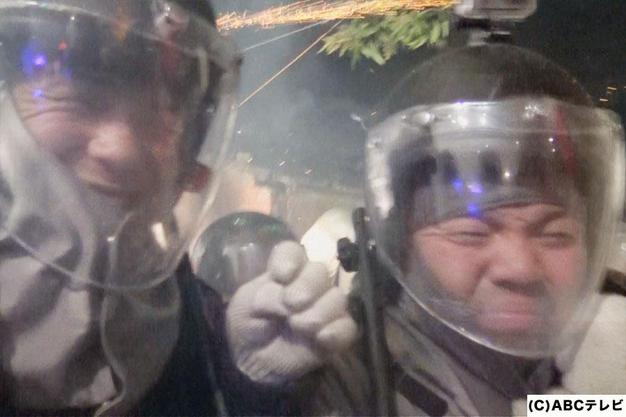 ロケット花火が飛び交う、台湾の超過激な厄払いのお祭りに参加するセルライトスパ