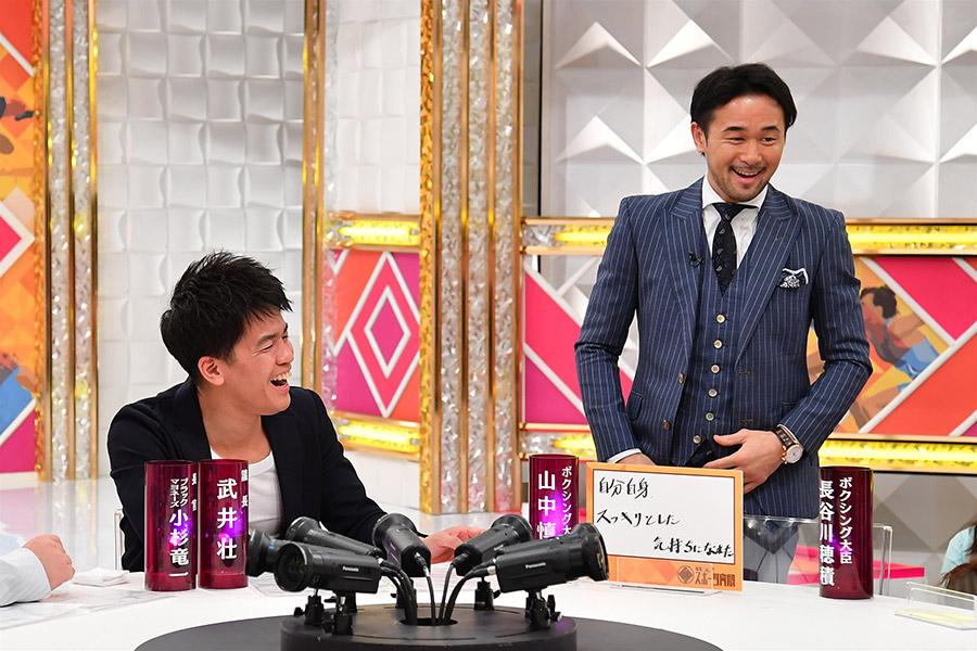 引退後、初のテレビ収録を「楽しかった」とふり返った山中慎介氏(右)