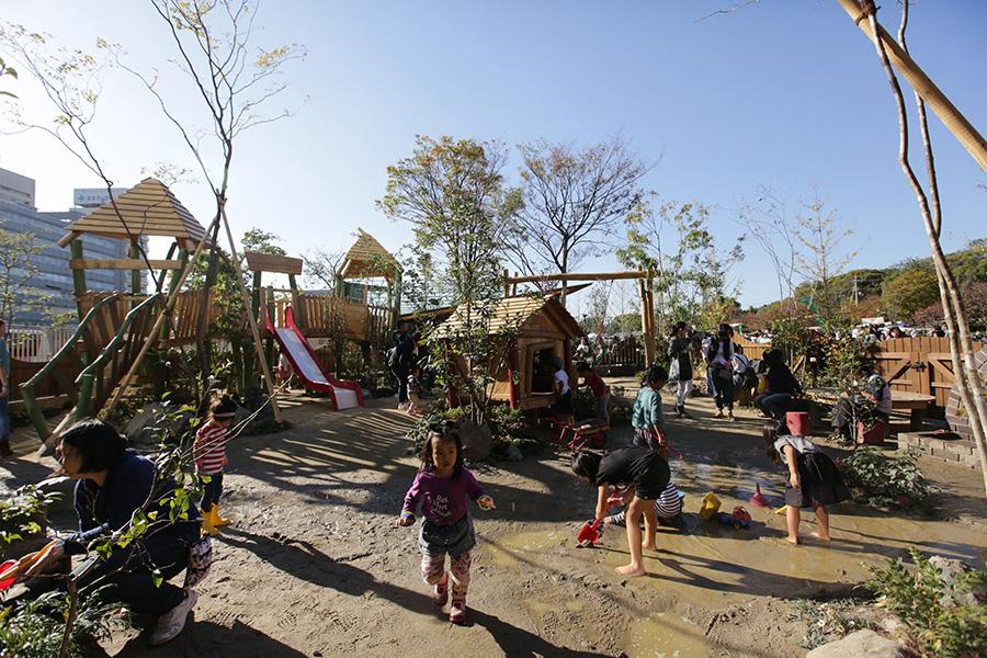 「ボーネルンド プレイヴィル 大阪城公園」の「屋外あそび場」は、717平米の広さを誇る(イメージ)