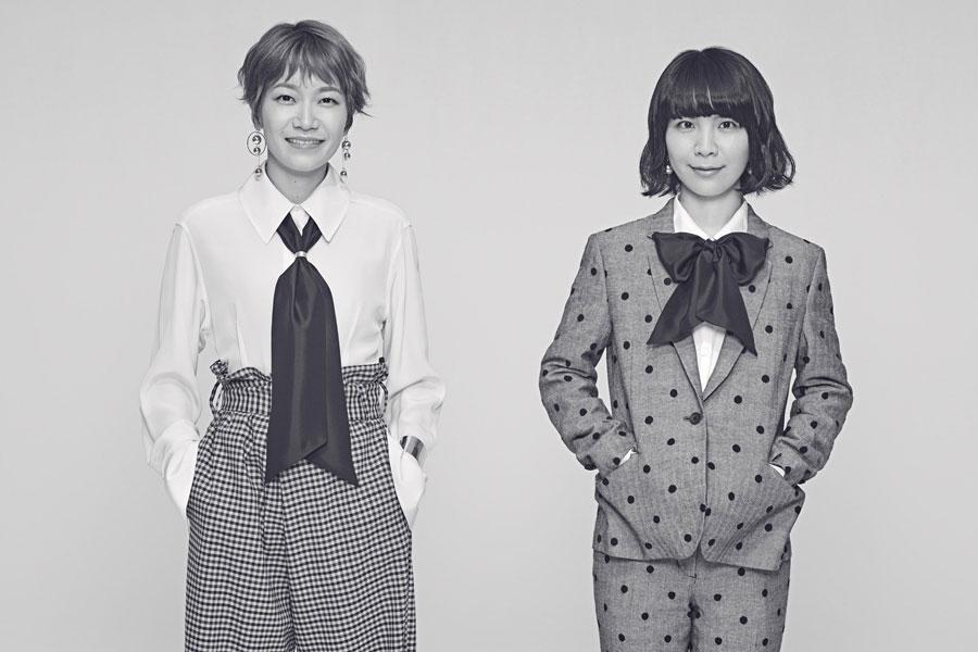 チャットモンチーの2人。左から福岡晃子、橋本絵莉子