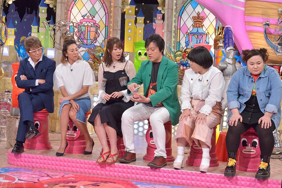 5月24日放送の『ダウンタウンDX』にゲスト出演した哀川翔(左) © ytv