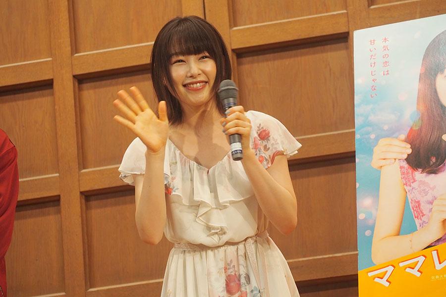京都の女子校にサプライズ訪問した桜井日奈子(2日・京都市内)