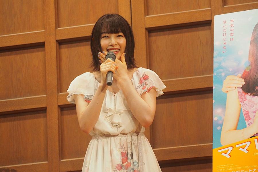 イベントでは終始笑顔を見せた桜井日奈子(2日・京都市内)