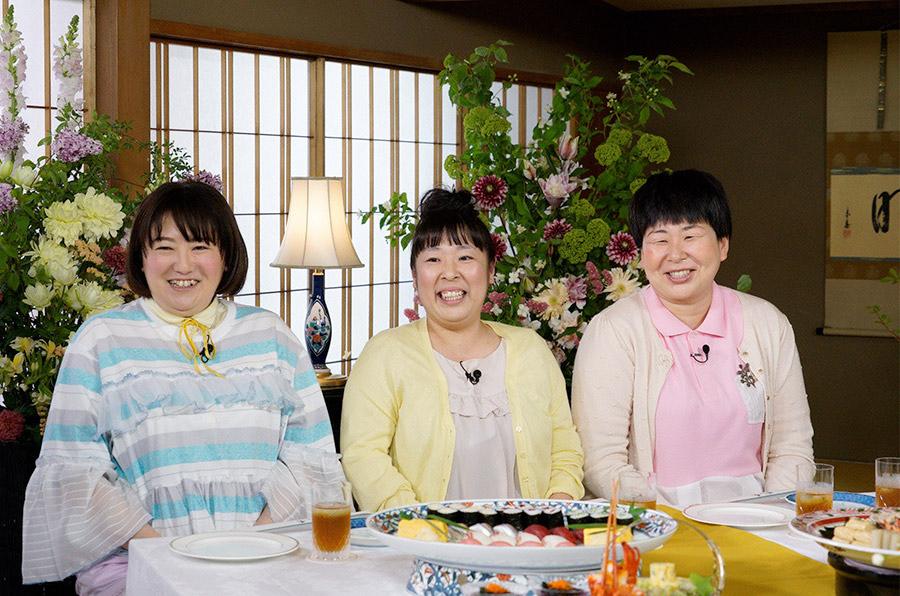 森三中(左から、黒沢かずこ、村上知子、大島美幸) © ytv