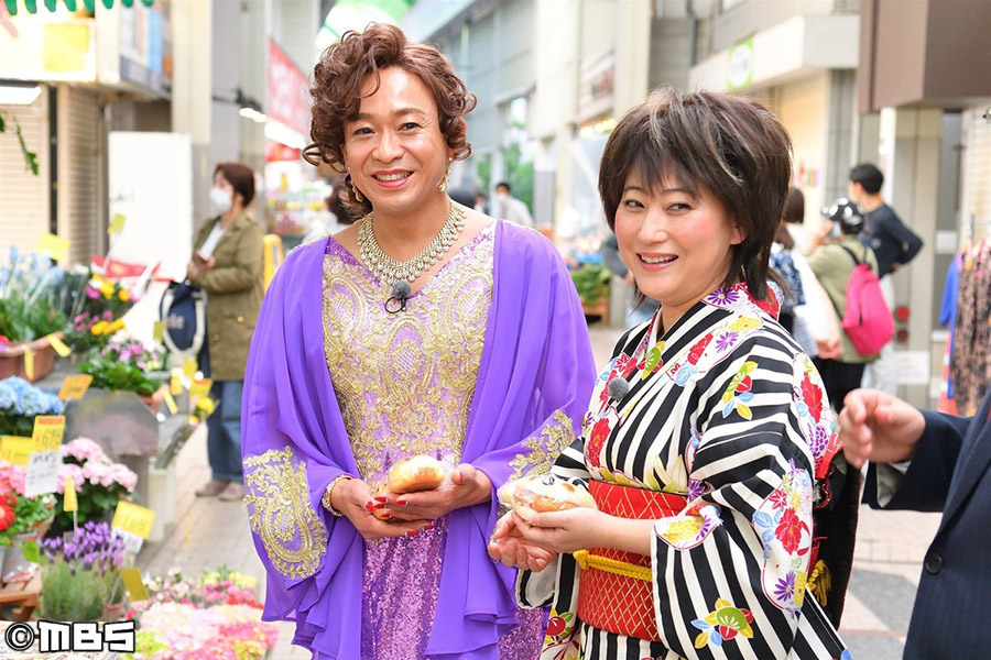 「TOKIO城島茂に激似」とウワサの遅咲きの新人歌手・島茂子と、友近の親友である大御所演歌歌手・水谷千重子
