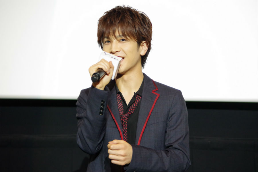 河瀨直美監督の作品に初出演した岩田剛典