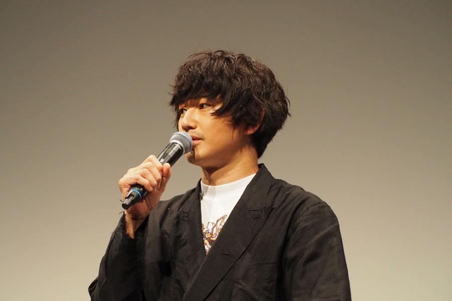 この日、悪天候に見舞われた大阪。瑛太は「現場中もそうだったんですけど、どうも天気が落ち着かないんですね。ちょっと生田斗真には気をつけようと思っております」と挨拶