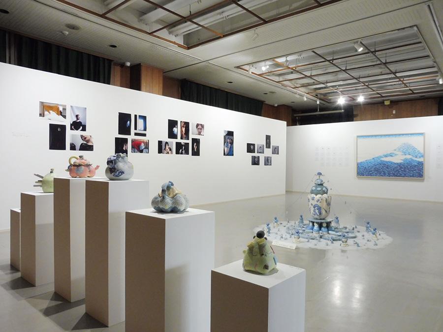 4つある展示場所のうち、room1の様子。手前から順に、村田眞子、ザラ・ヘントリジアク、柏原文音の作品