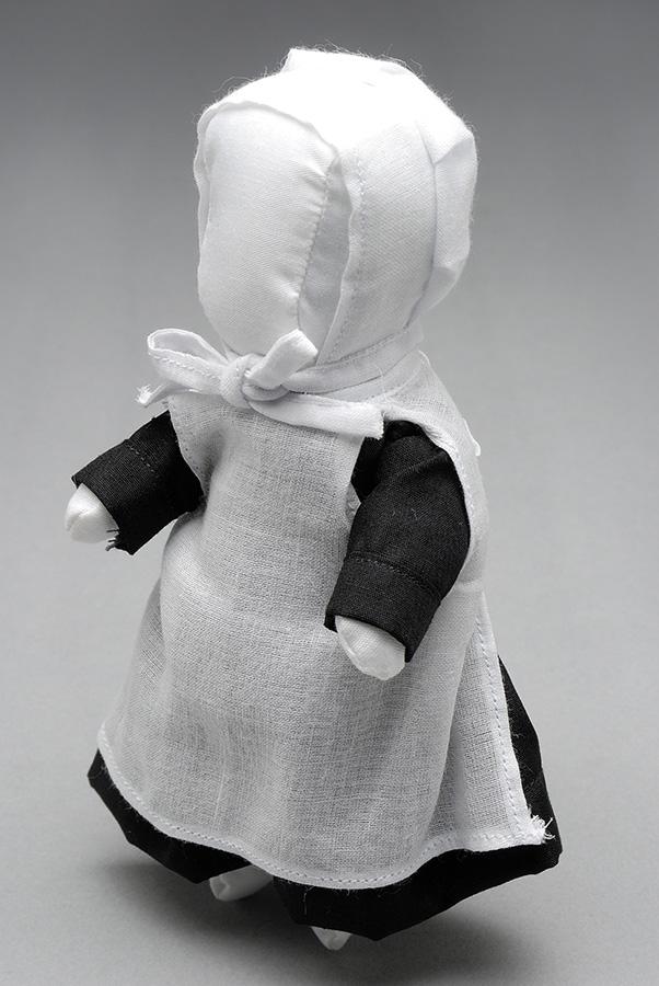 アーミッシュ・ドール(子ども用人形)国立民族学博物館蔵