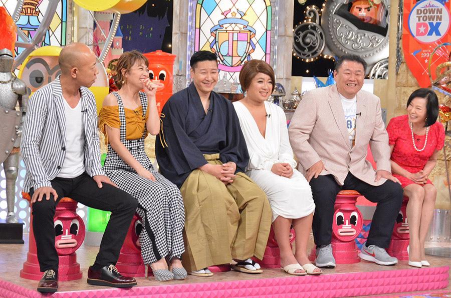 右から2番目が貴闘力忠茂氏、右は元おかみの藤田紀子