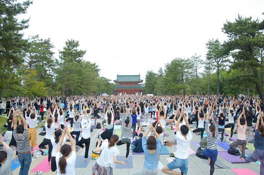 2017年の会場は京都の「平安神宮」前