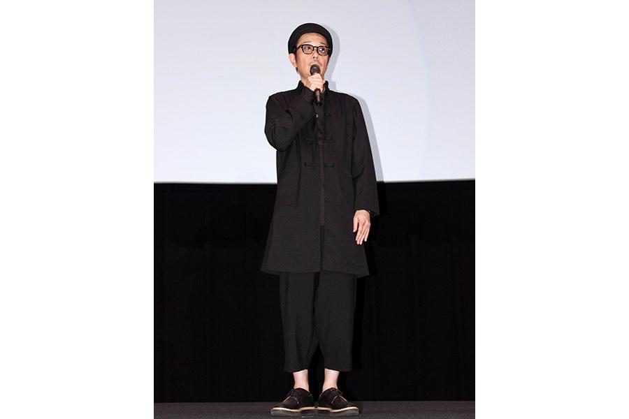 映画『万引き家族』舞台挨拶に登場したリリー・フランキー(10日・大阪市内)