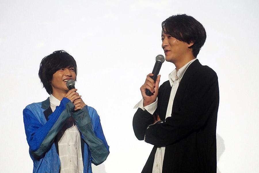 映画『劇場版 ドルメンX』に登場した志尊淳(左)と浅香航大(16日・大阪市内)