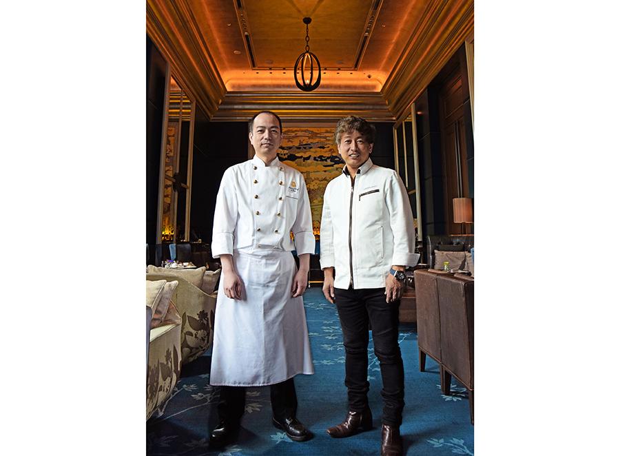 左から「セント レジス ホテル 大阪」の伊藤慎二ペストリーシェフ、「パティシエ エスコヤマ」の小山進シェフ