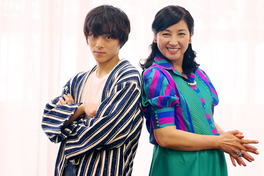 男らしい顔で、という依頼に鋭いまなざしを向ける永田と「忘れちゃった」と笑顔の愛華