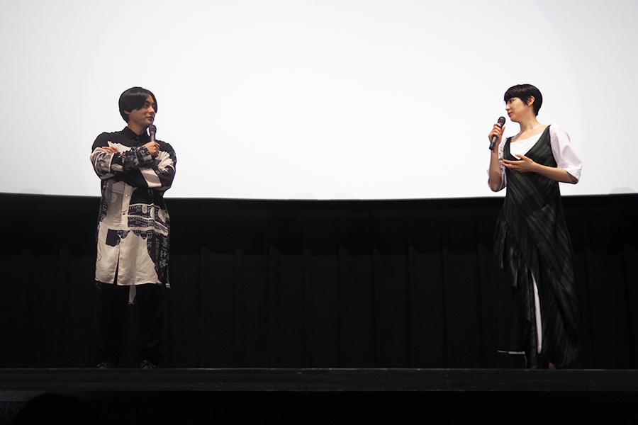 11年ぶりの映画共演ながら、今作が初共演のようだったと語る山田孝之(左)と長澤まさみ(8日・大阪市内)