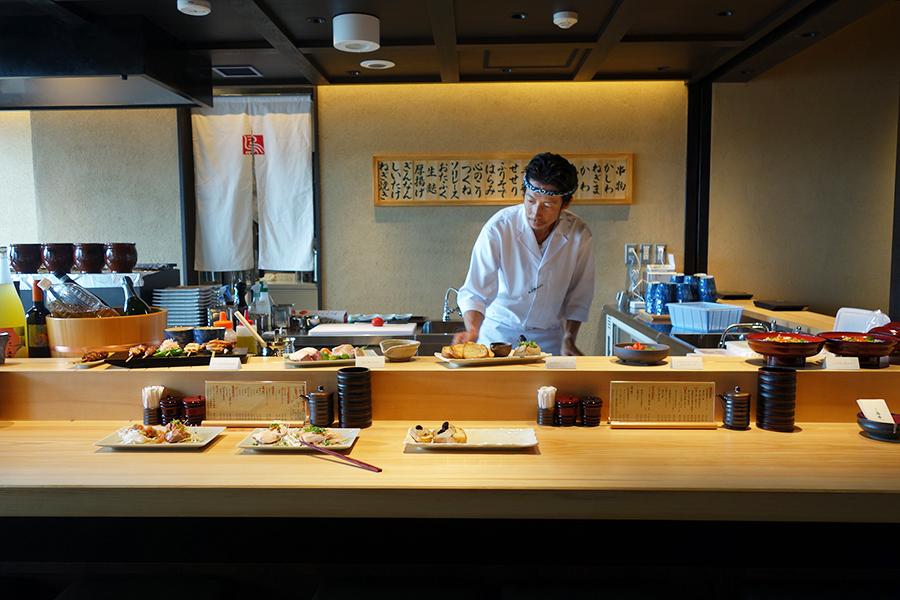 東京の人気店が関西初出店「難波 鳥幸」。気軽に楽しめる難波コース3200円が登場。昼は親子丼などが楽しめる