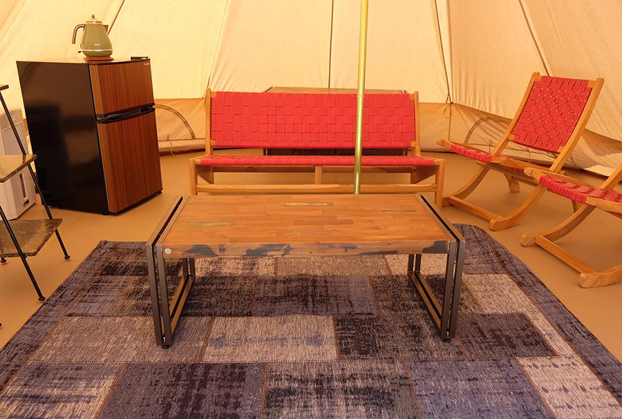 デイユース用のテントは、ゆったりテント内で過ごせるようなインテリアに