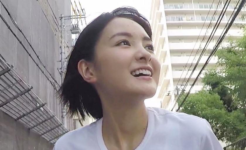 朝ドラ撮影時は大阪・谷町を自転車で走り回っていたという葵わかな 写真提供/MBS