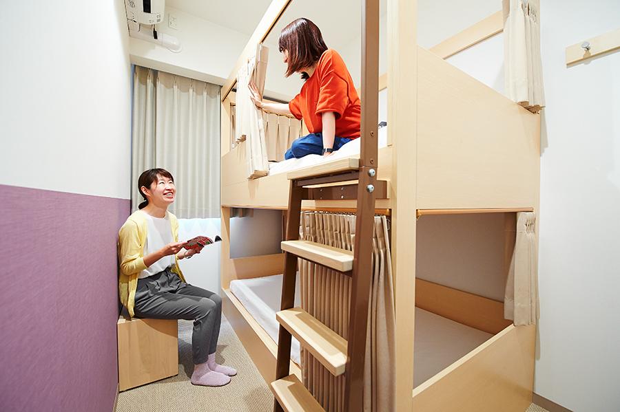 二段ベッドタイプもあり、好みの宿泊スタイルで選べる