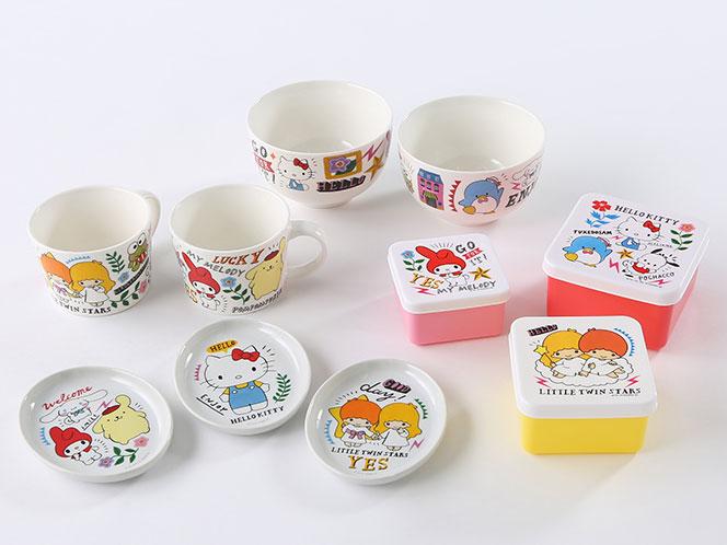 ミニプレート200円、マグカップ300円、ボウル400円など子ども向けのグッズも