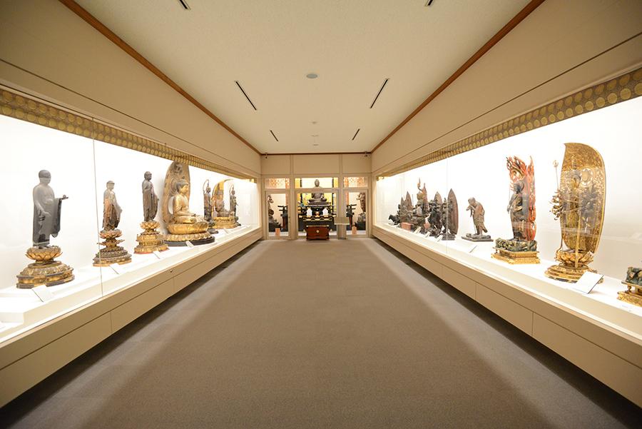 比叡山延暦寺の非公開の仏像や仏画なども展示する『伝教大使1200年大遠忌記念 比叡山 至宝展』は8月1日〜11月30日まで