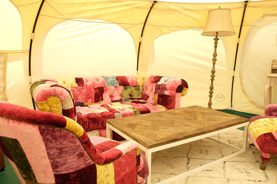 宿泊用テント内、快適に過ごせる空間を目指す